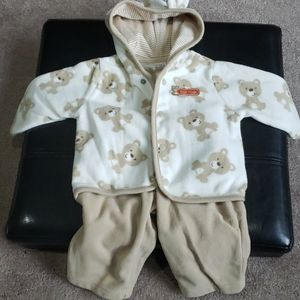 Very cute Carter's 2 piece set 3 months